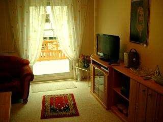 bildergalerie ferienwohnung berlin spandau mit 70m wohnzimmer terrassenblick. Black Bedroom Furniture Sets. Home Design Ideas