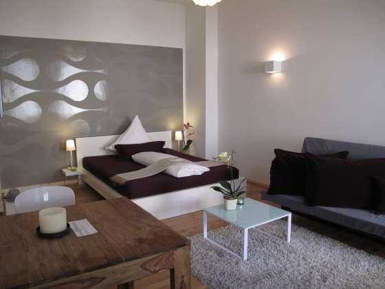 bildergalerie ferienwohnungen berlin kreuzberg 45m schlaf und wohnzimmer. Black Bedroom Furniture Sets. Home Design Ideas
